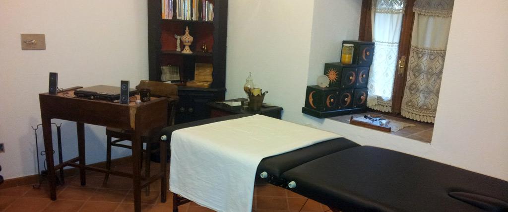 Sala terapie e massaggio centro di meditazione B&B Zorba il Buddha Passerano Marmorito Asti