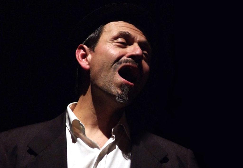 Giovanni Grimaldi maestro di musica corso di canto B&B & Meditation Center Zorba il Buddha Passerano Marmorito Asti