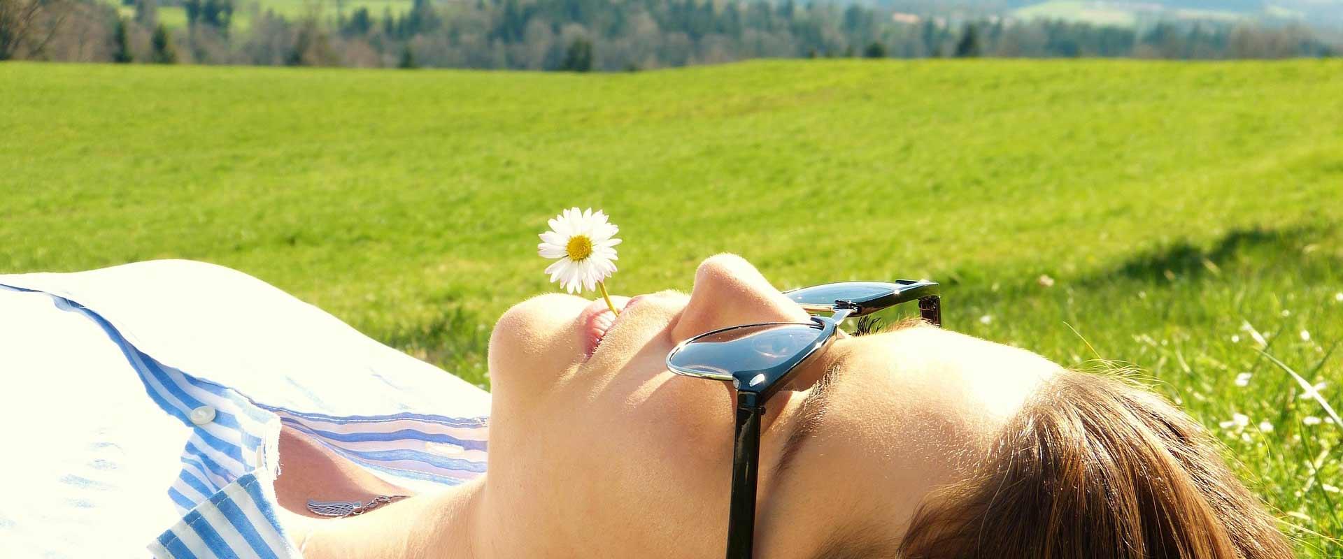 Rilassarsi nella natura giornata relax benessere B&B & Meditation Center Zorba il Buddha Passerano Marmorito Asti