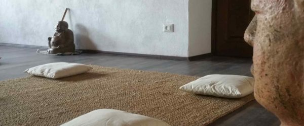 Sala meditazione giornata relax B&B & Meditation Center Zorba il Buddha Passerano Marmorito Asti