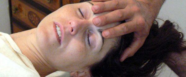 Trattamento testa collo massaggio Bodhi Vipal presso B&B & Meditation Center Zorba il Buddha Passerano Marmorito Asti