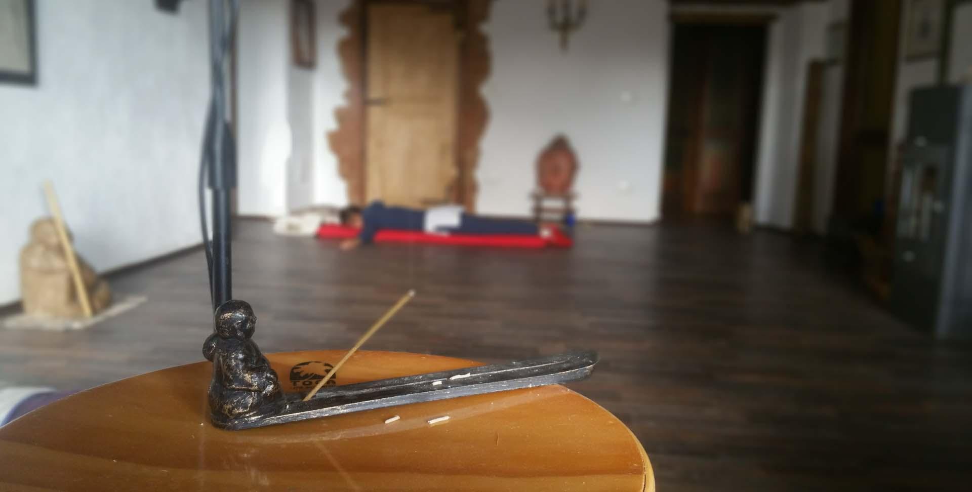Ritiro individuale meditazione attiva relax conduttore Vipal B&B & meditation center Zorba Il Buddha Passerano Marmorito (AT)