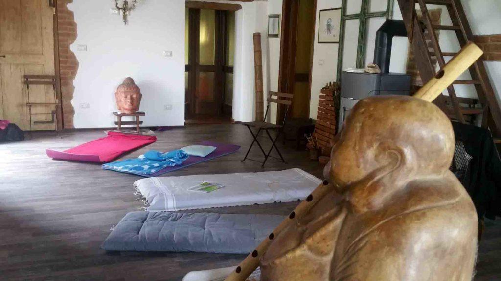 Cosa è Zorba il Buddha? buddha hall B&B & Meditation Center Passerano Marmorito AT