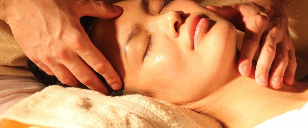 Massaggio Bodhi Vipal seminario La Carezza Dello Spirito Vipal Antonio Gianfranco Gualdi B&B & meditation Center Zorba Il Buddha Passerano Marmorito (AT)
