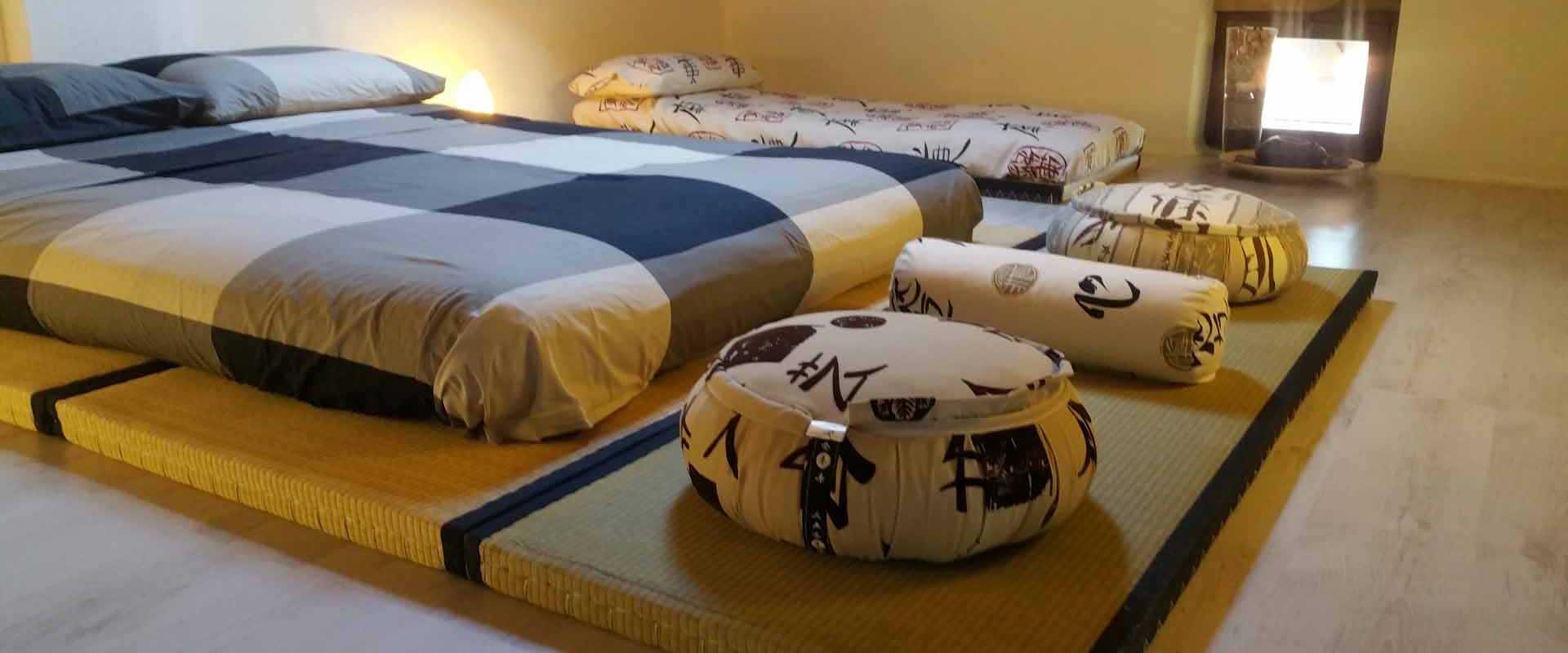 Camera zen tre posti letto tatami futon B&B & Meditation Center Zorba ll Buddha Passerano Marmorito Asti
