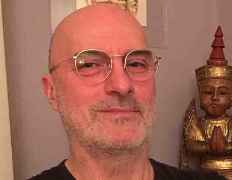 ritratto Vipal Antonio Gianfranco Gualdi conduttore ritiri e d esperienze olistiche presso il B&B & Meditation Center Zorba Il Buddha Paserano Marmorito (AT)