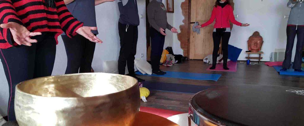Meditazione attiva mani di cuore conduce Vipal Antonio Gianfranco Gualdi B&B Centro Meditazione Zorba Il Buddha (AT)