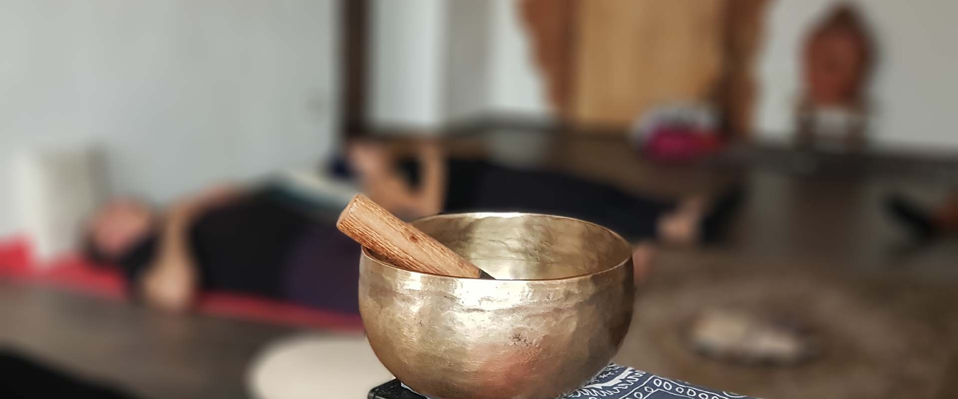 meditazione attiva mani di cuore luce di amore Conduce Vipal Antonio Gualdi Centro Meditazione Zorba Il Buddha