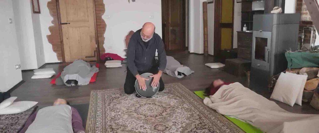 Bagno sonoro chakra Vipal Antonio Gianfranco Gualdi Centro di Meditazione Zorba Il Buddha