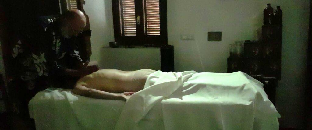 Massaggio Luce Solare meditativo energetico Vipal Antonio Gianfranco Gualdi Centro di meditazione Zorba Il Buddha