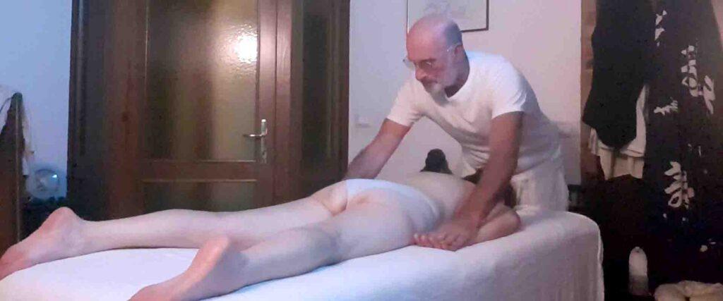 Massaggio La potenza dei chakra Vipal Antonio Gianfranco Gualdi Centro di Meditazione Zorba Il Buddha